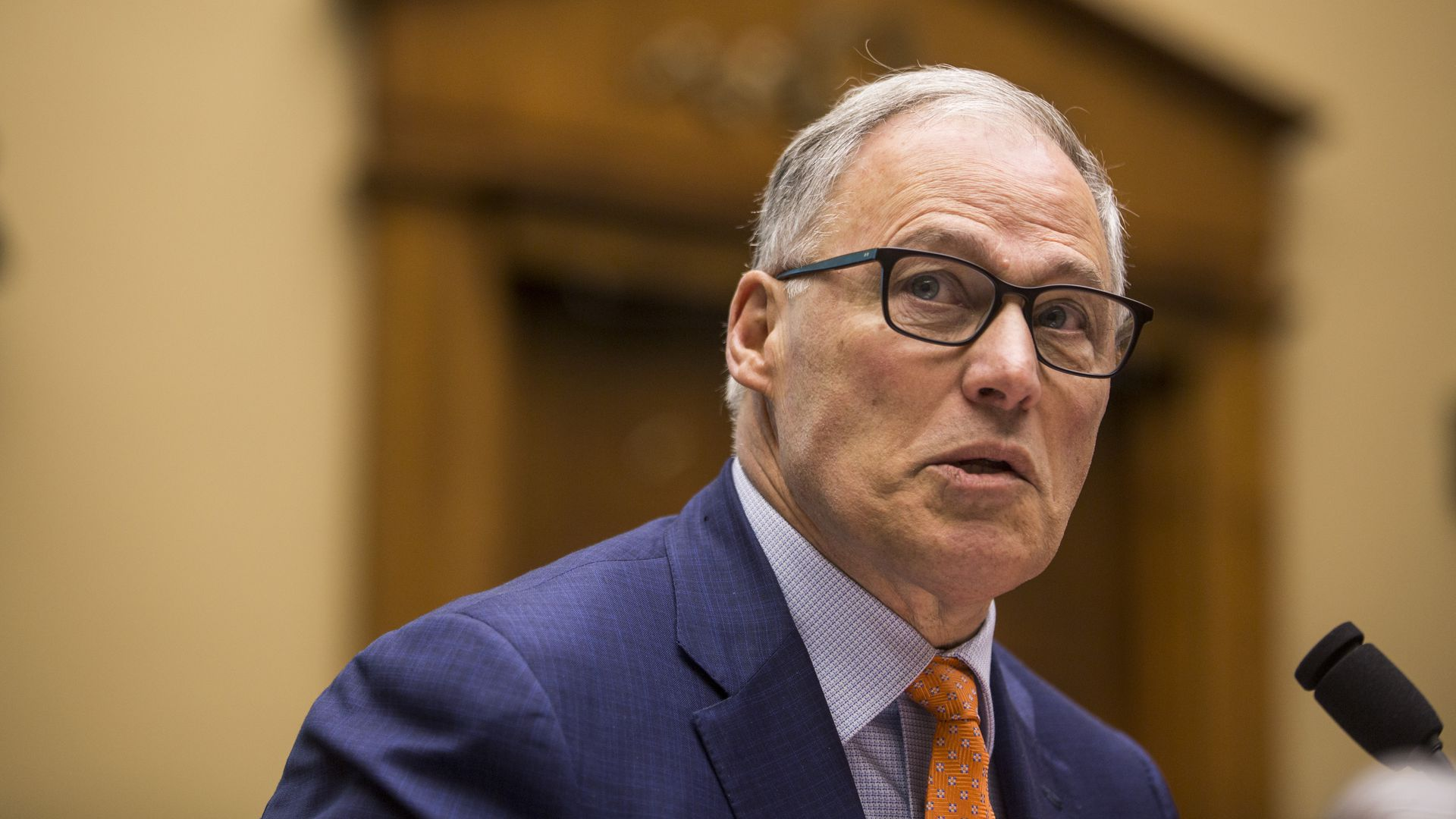 Jay Inslee's plan to wean the U.S. off its reliance on coal, oil and natural gas