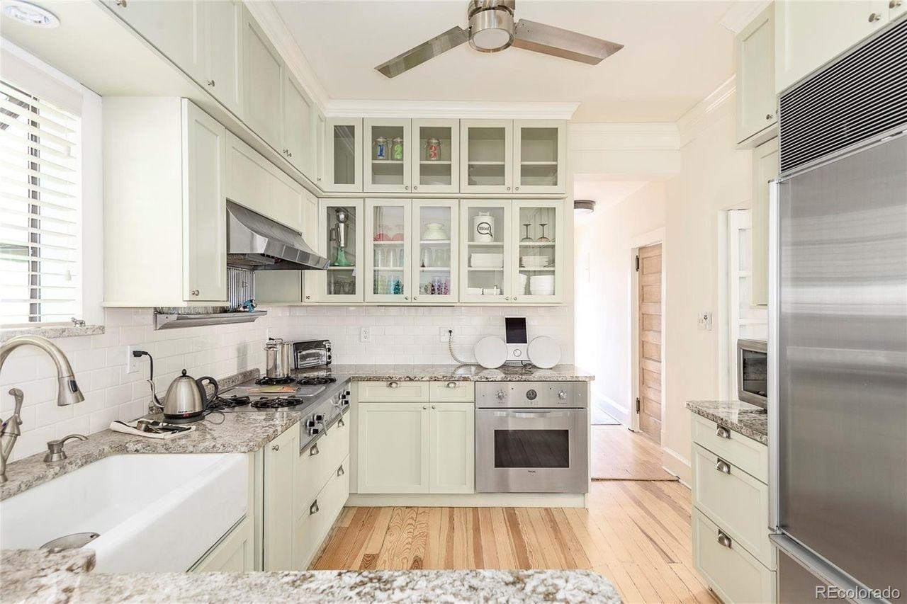 966 N. Marion St. kitchen
