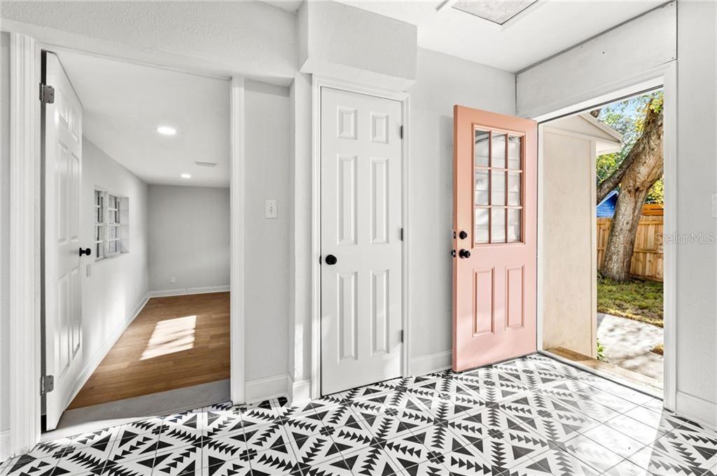 2926 6th Ave. North tile details