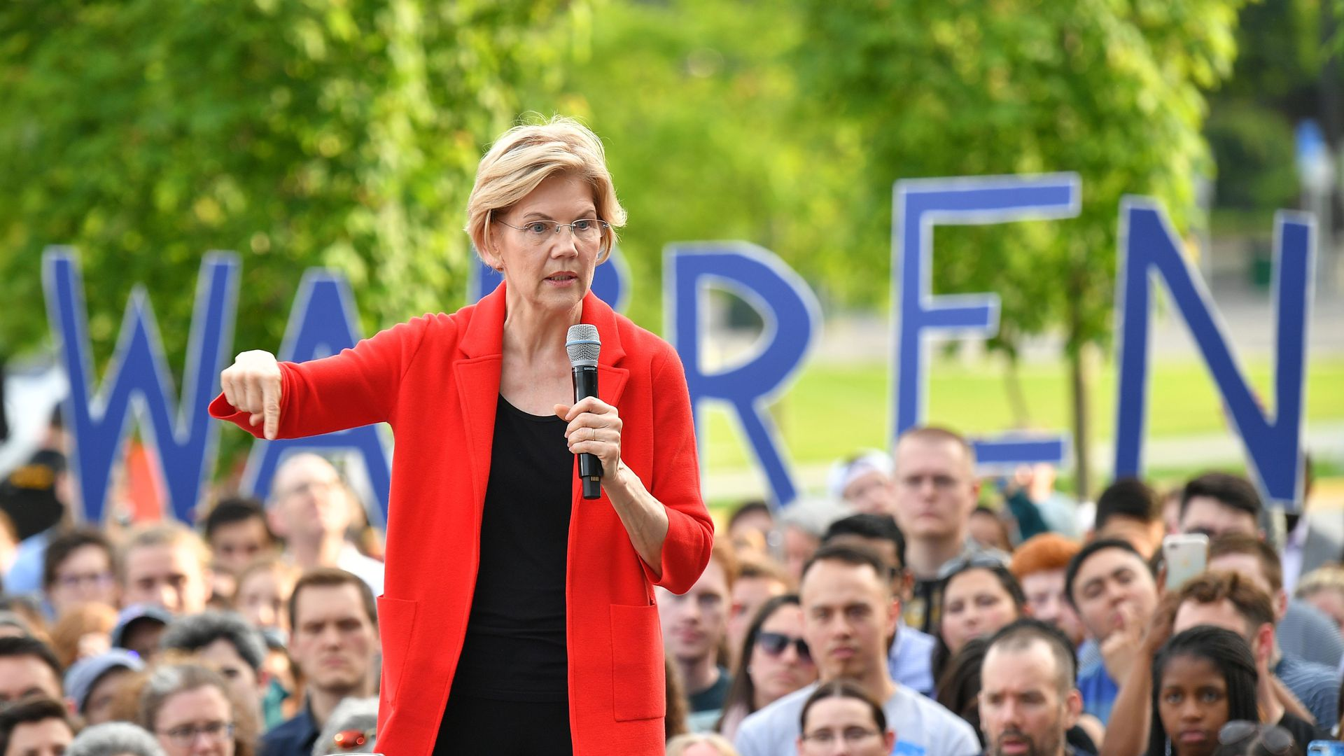 Democratic presidential candidate Elizabeth Warren gestures as she speaks during a campaign stop
