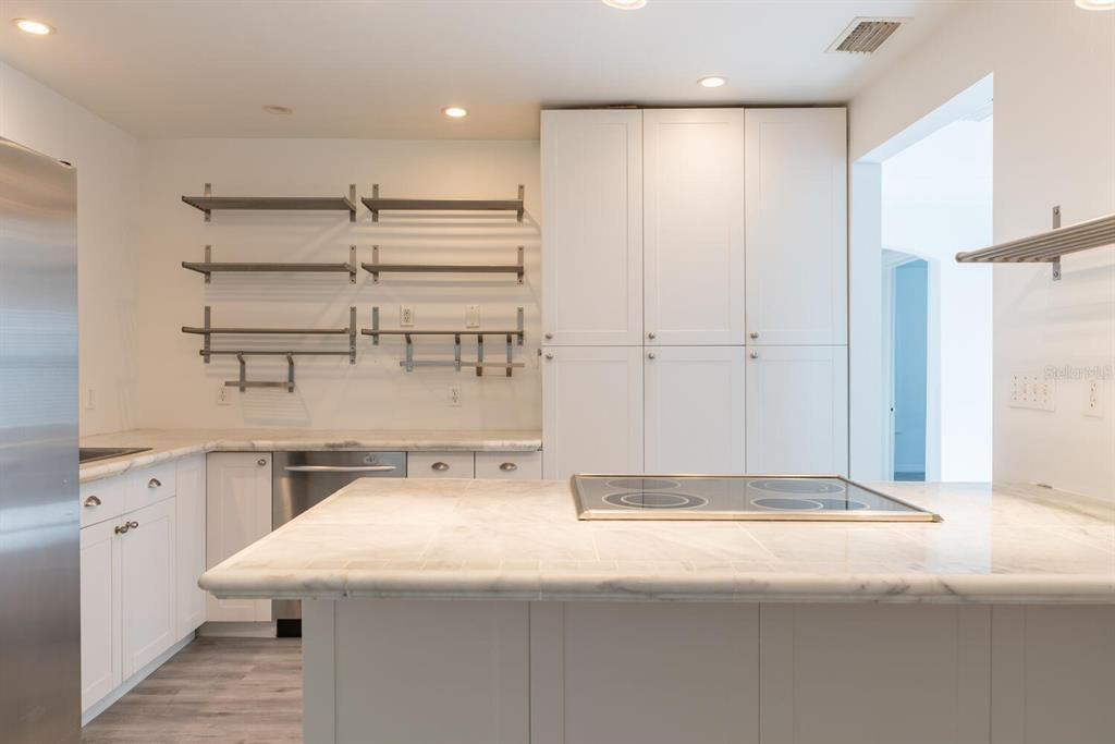 2319 Gull Ln. kitchen