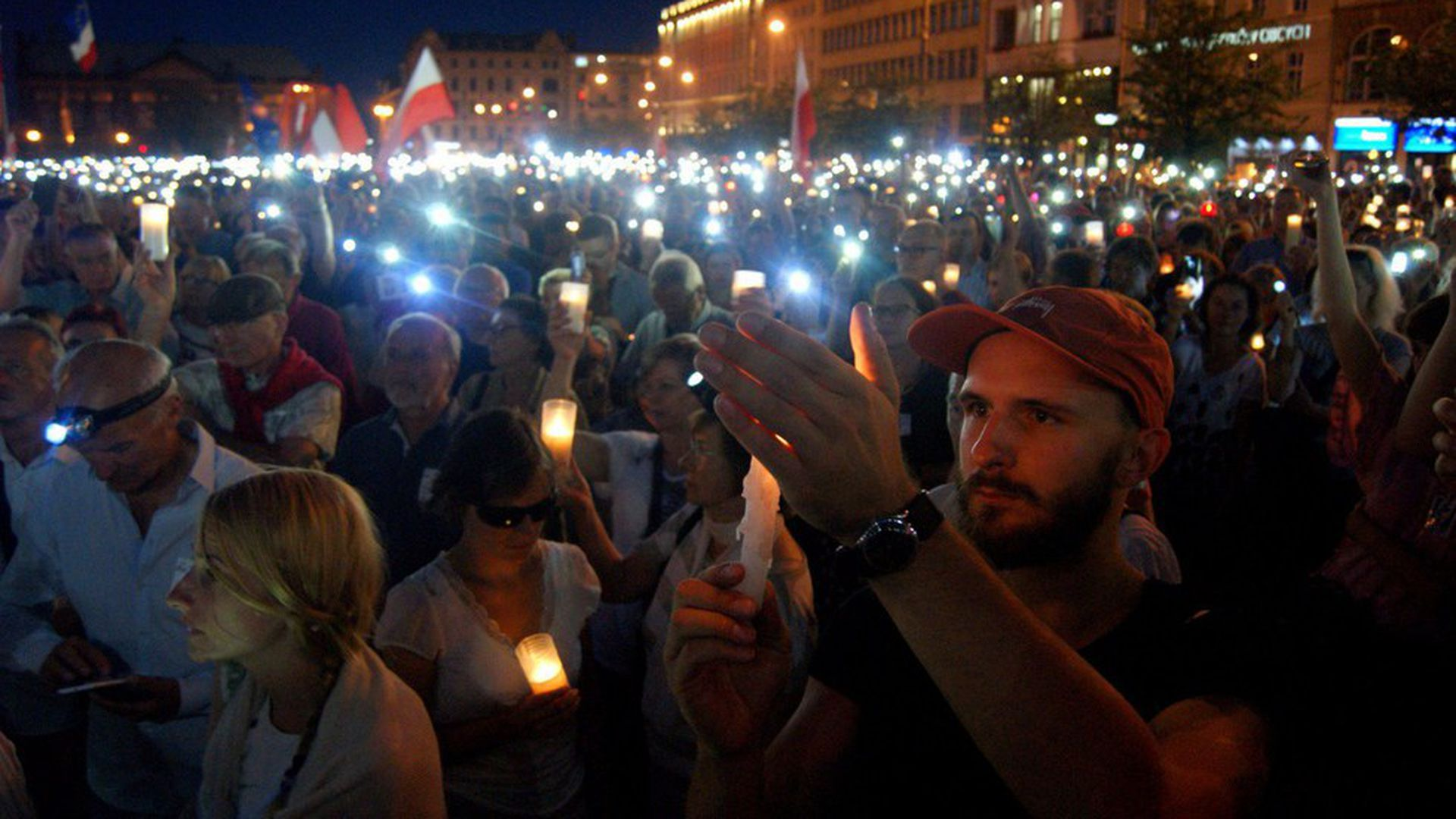 Protests against Poland's strike on independent judges - Axios