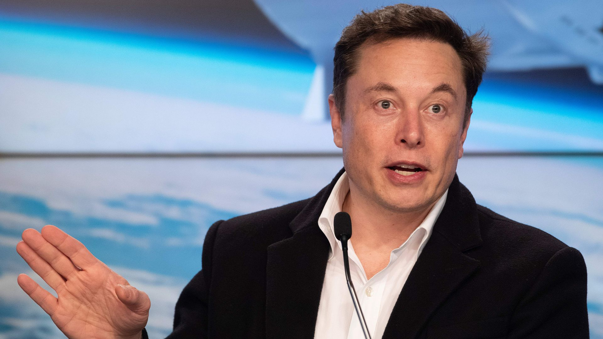 The SEC says Elon Musk brazenly disregarded a federal judge's order.