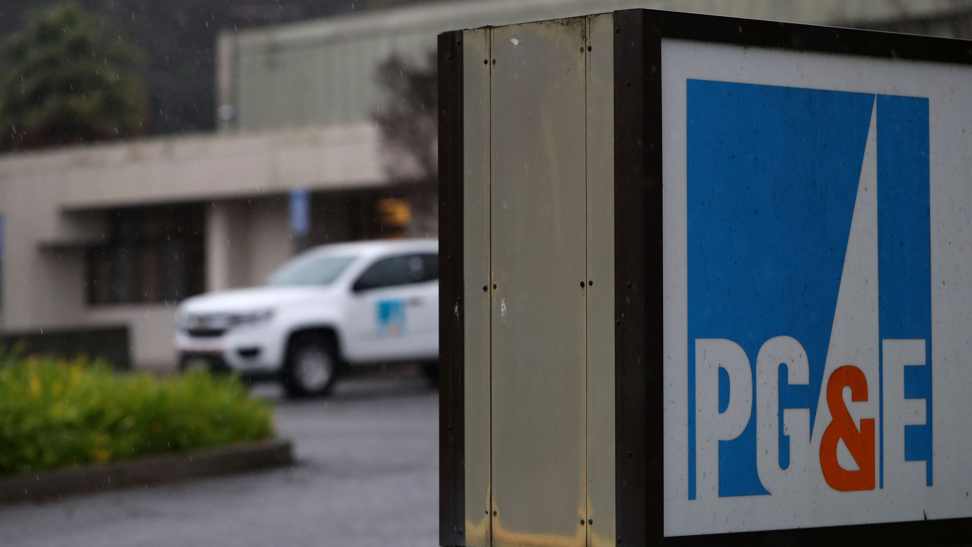 The Pacific Gas & Electric (PG&E) logo is displayed on a sign in front of the PG&E Service Center on January 15, 2019 in San Rafael, California.