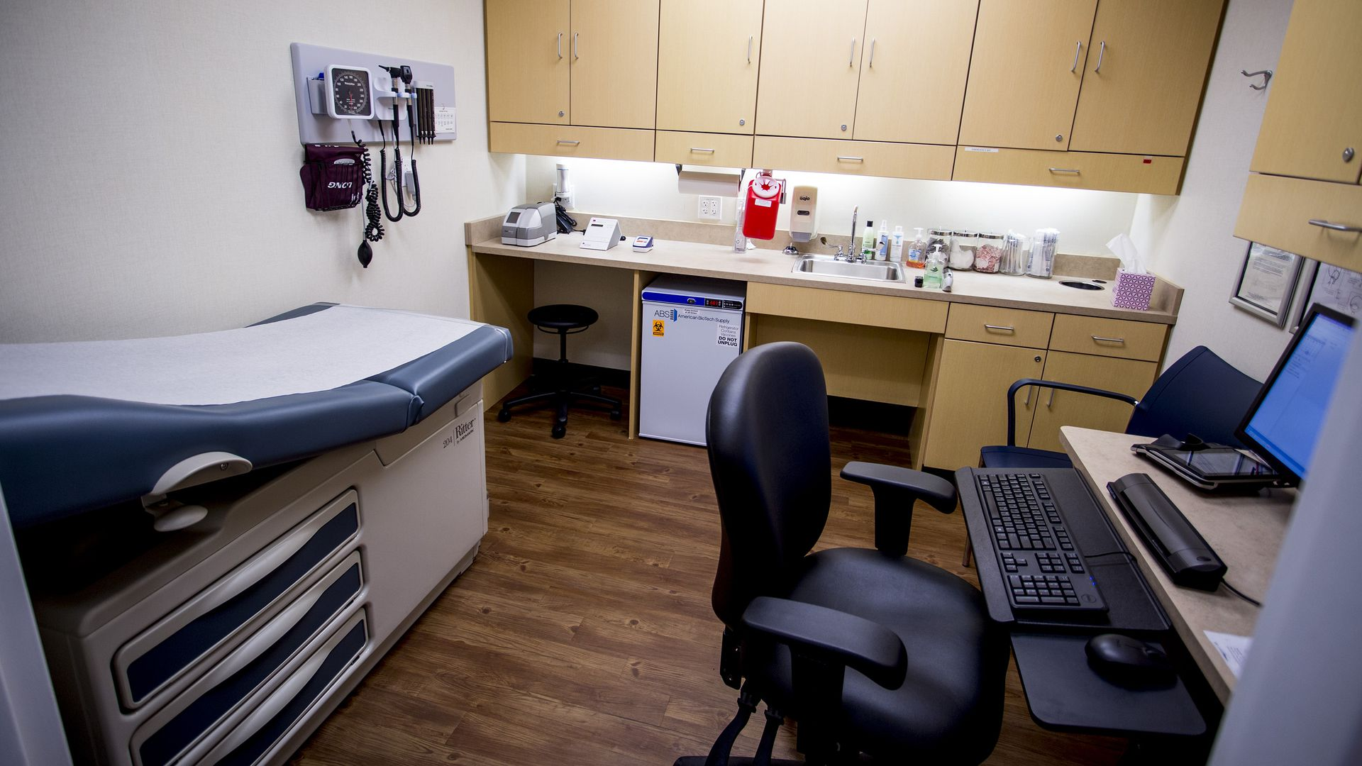 An exam room in a clinic.