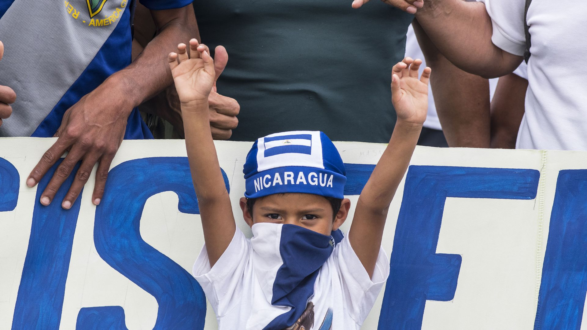 Nicaraguans demonstrate outside the Nicaraguan Embassy in San Jose, Costa Rica on January 12, 2019, to protest against the arrest of opposition journalists.