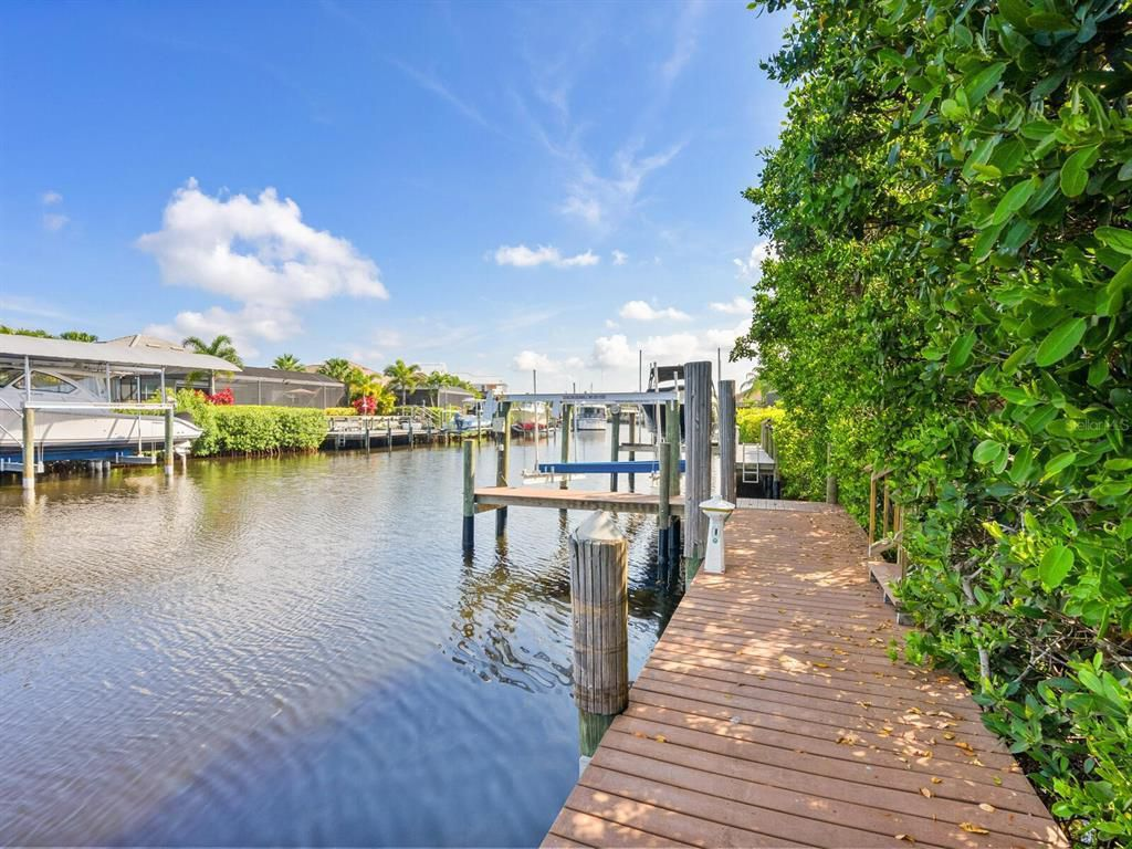552 Fore Drive private dock