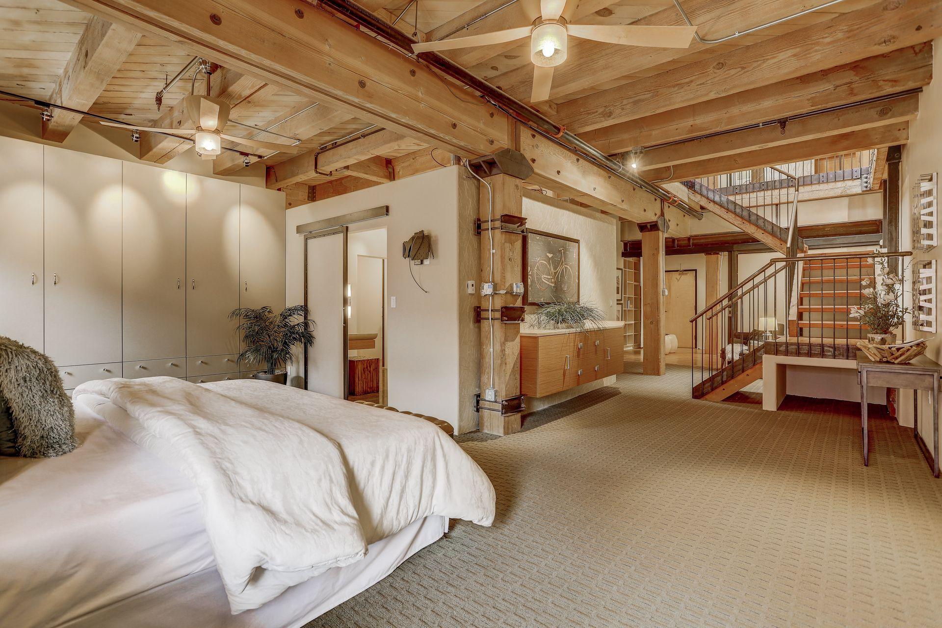 1792 Wynkoop Street, #502 room