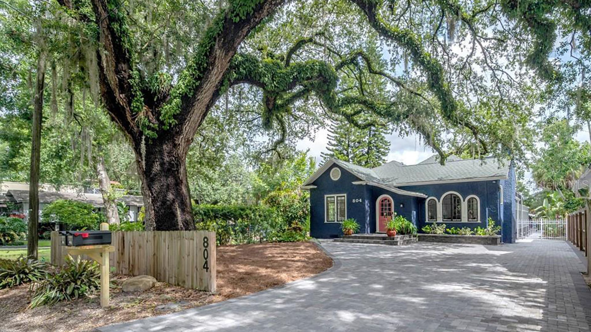 houses for sale in tampa with pools