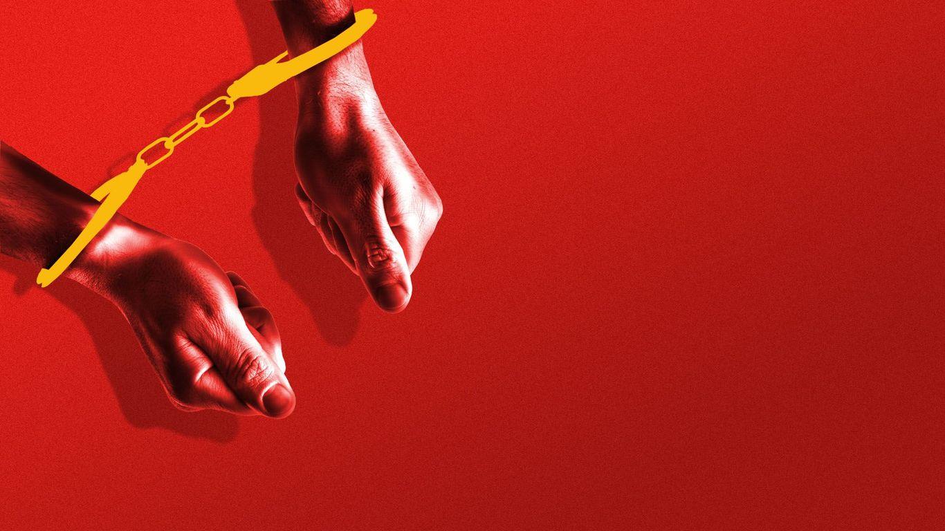 Chinese authorities detain Bloomberg News staff member thumbnail