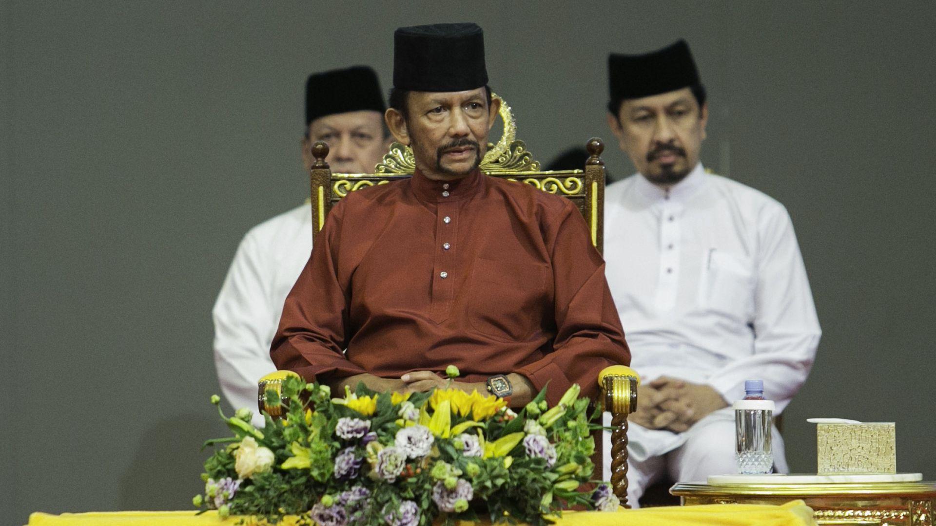 Brunei's Sultan Hassanal Bolkiah, center.