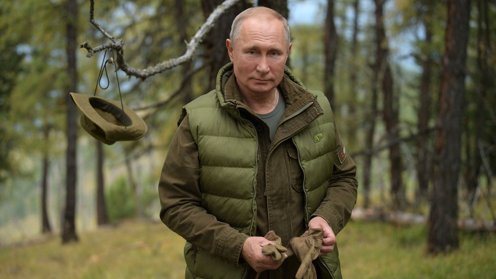 """Putin says he's watching U.S. """"political struggles"""" and following 2020 interference claims"""