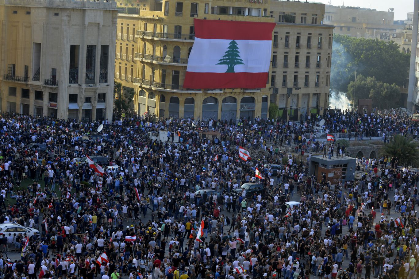 World leaders holding Lebanon aid summit after night of unrest in Beirut