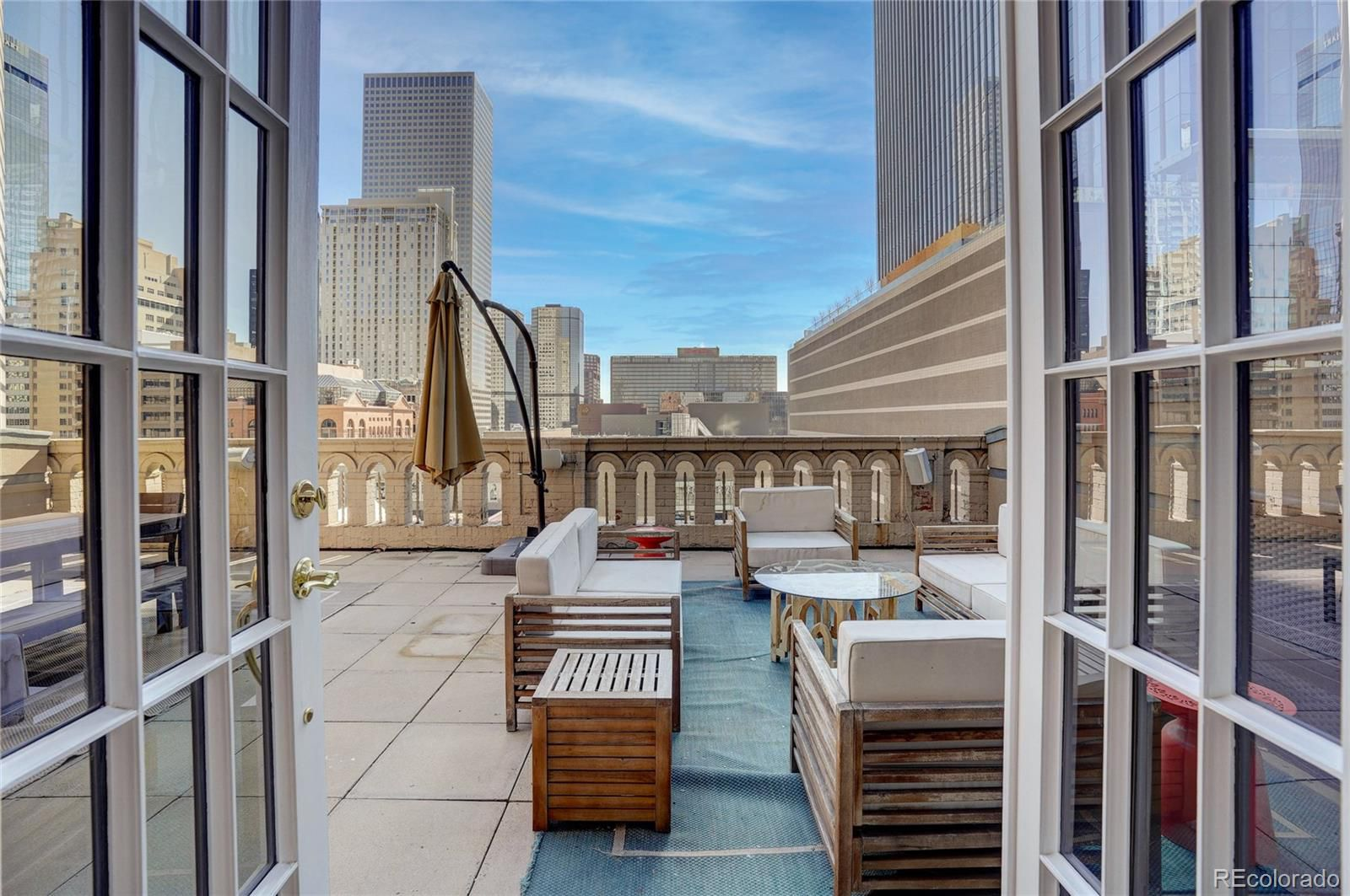 1555 California St. #502  views and rooftop
