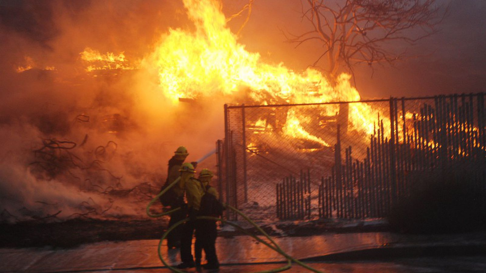 da161fe1 California inmates fighting the record wildfires are likely to be ...