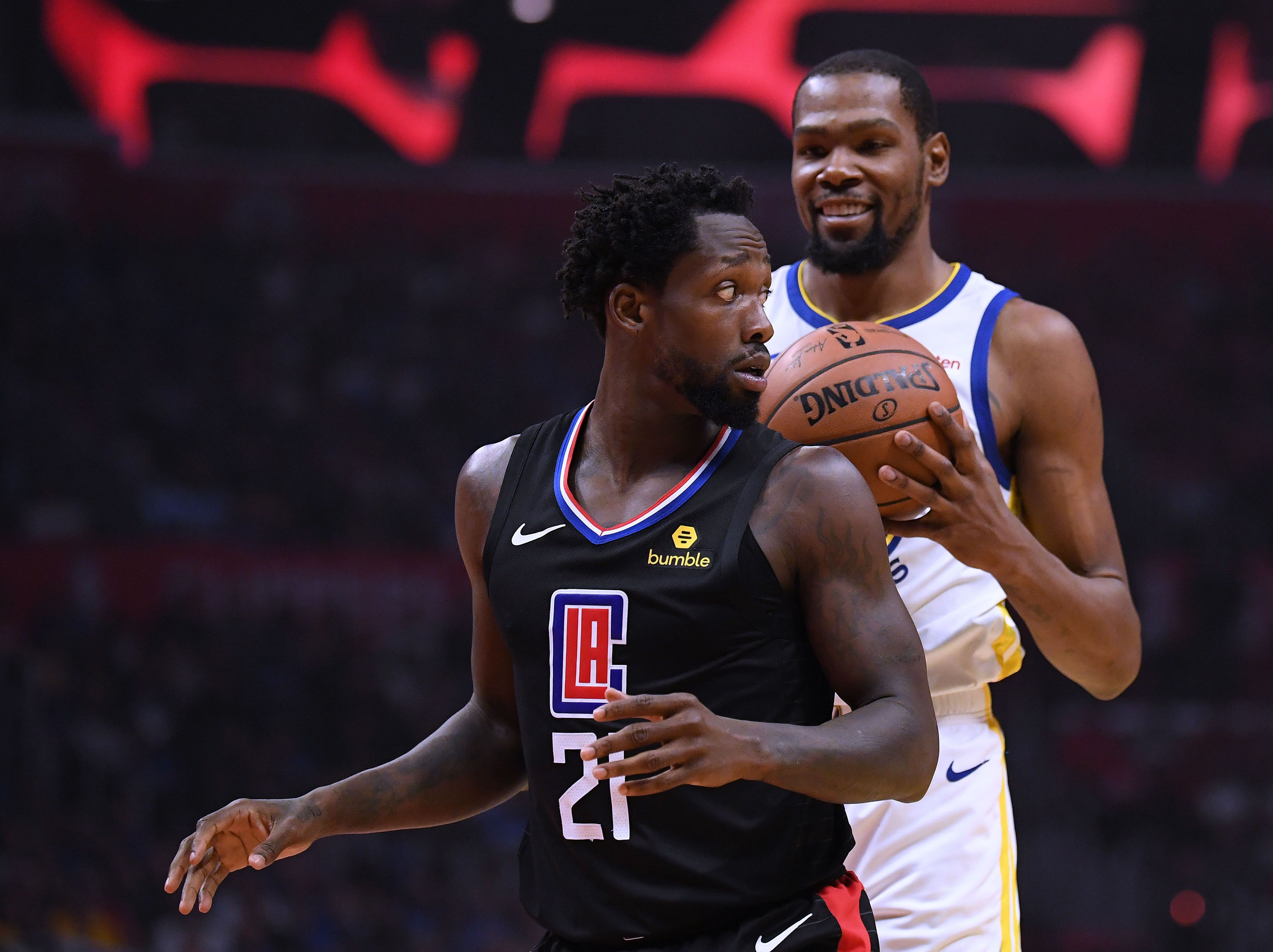 Kevin Durant laughing at Patrick Beverley