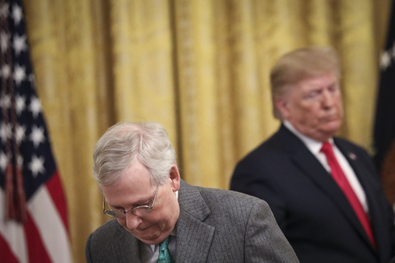 "McConnell says stimulus ""unlikely"" before election despite Trump's desperation thumbnail"