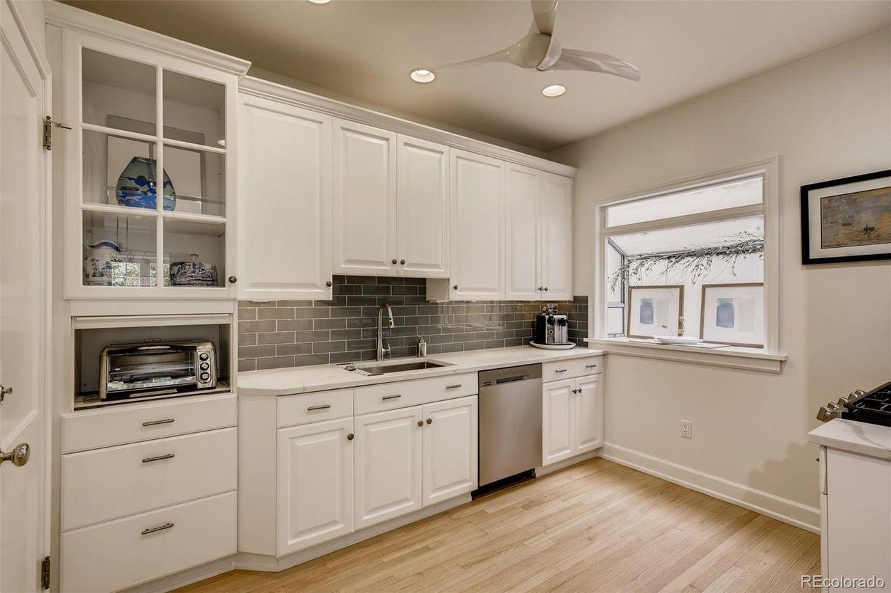 1515 E 9th Ave #214  kitchen