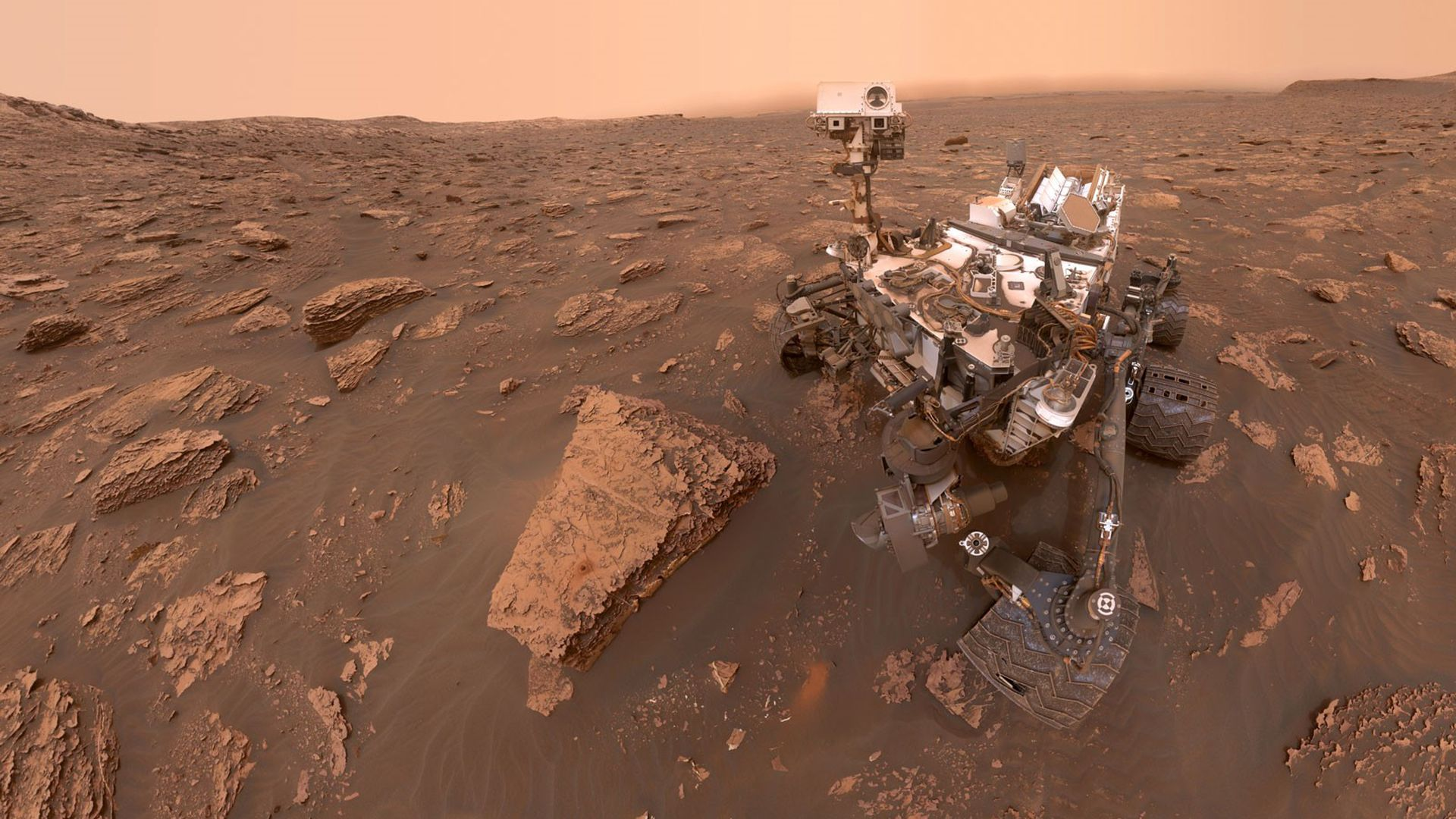 Photo of the Curiosity rover on Mars
