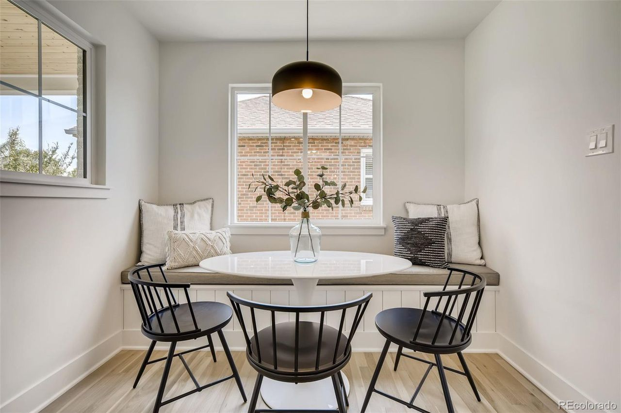 1255 S. Steele St.  dining nook