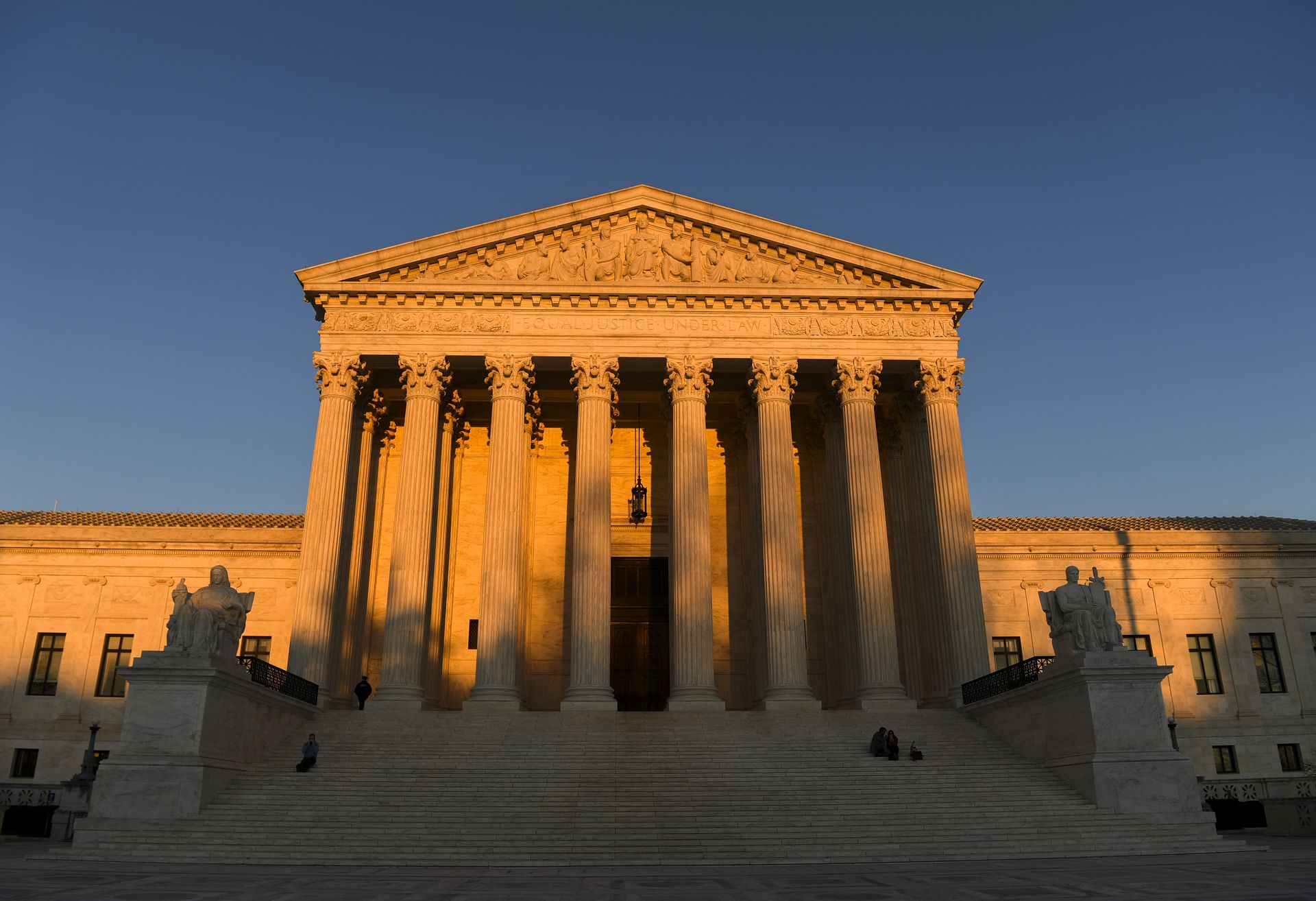 Supreme Court rules that workers cannot be fired for being gay or transgender thumbnail