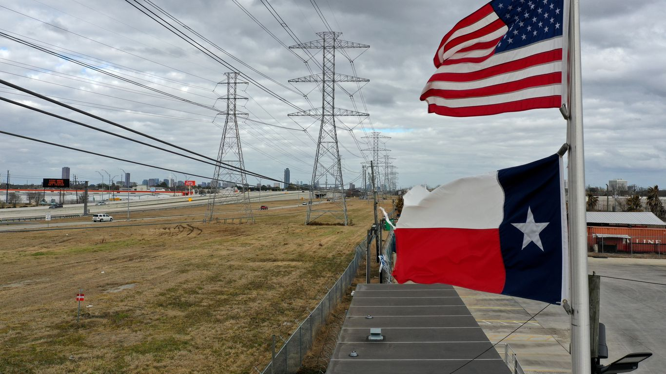 Massive Texas power outages mostly caused by cold weather, grid operator says thumbnail