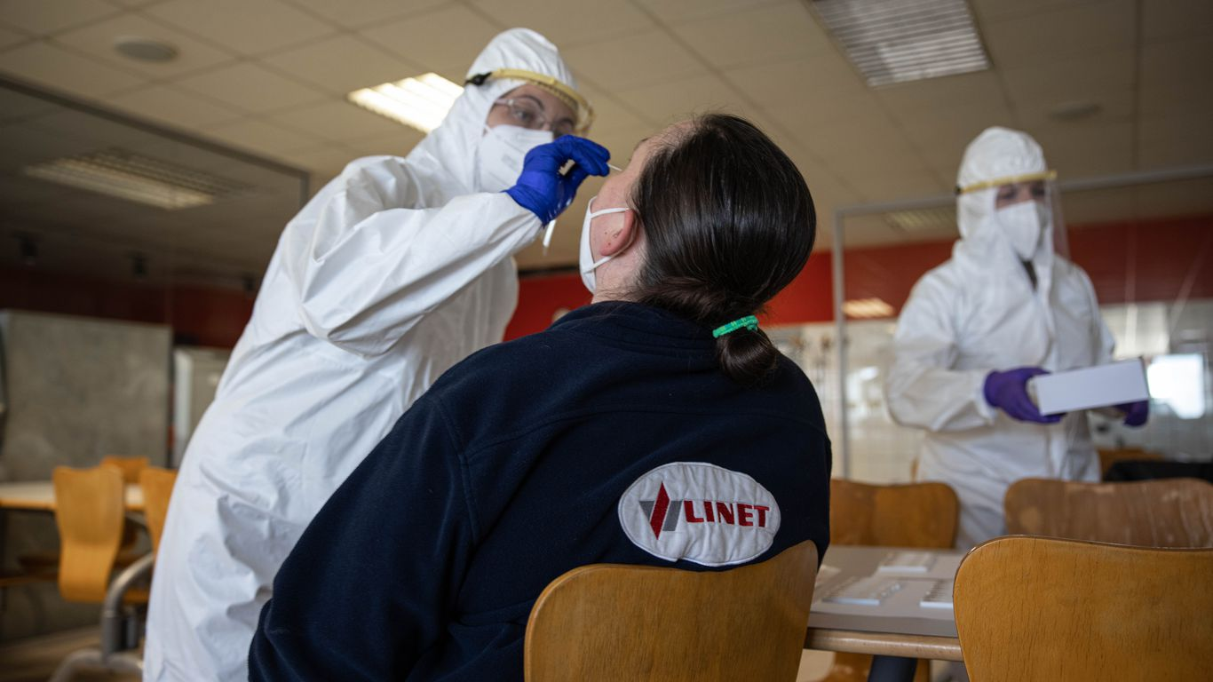 Coronavirus variants driving another surge across Europe thumbnail