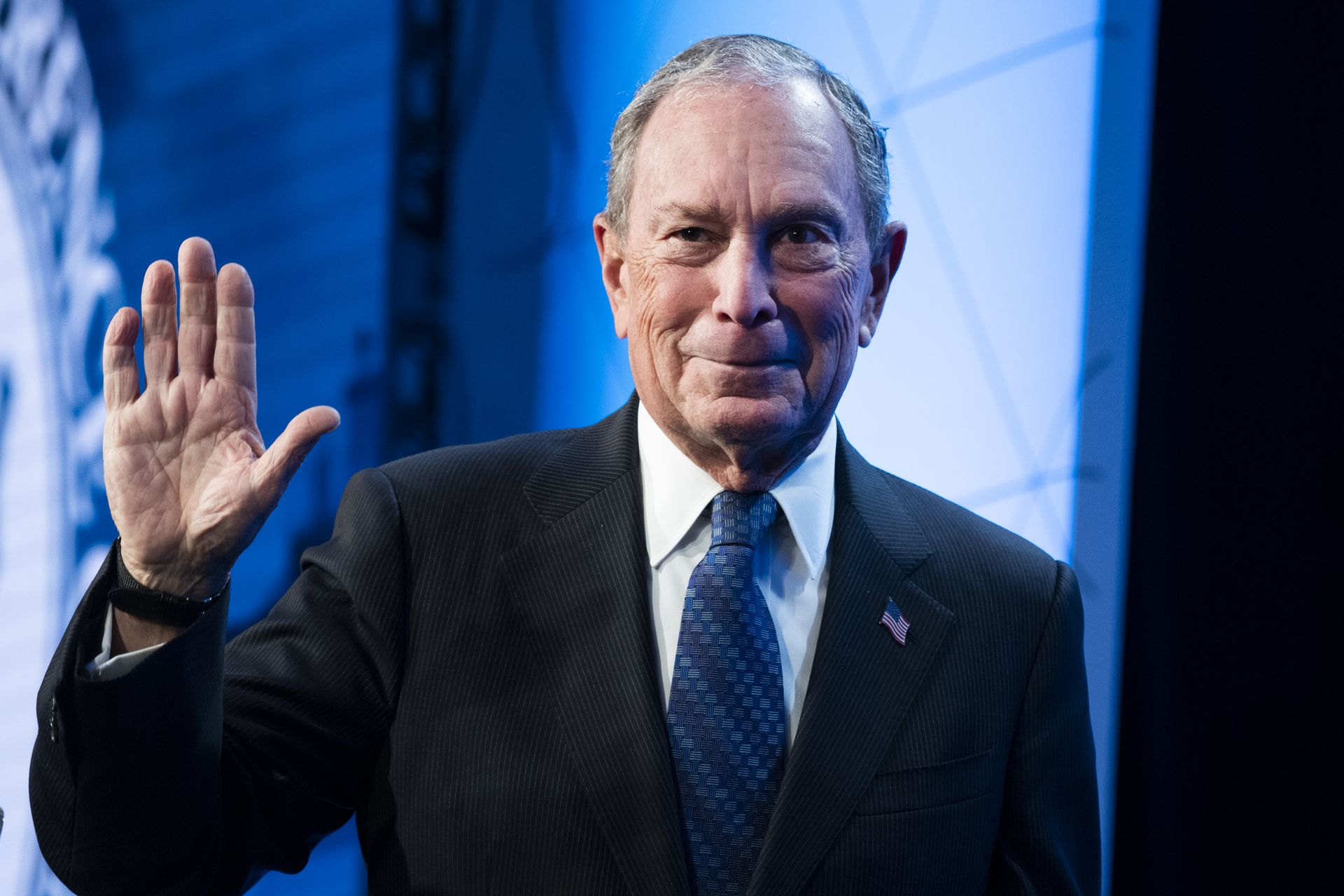 Mike Bloomberg Embraces The Meme Axios