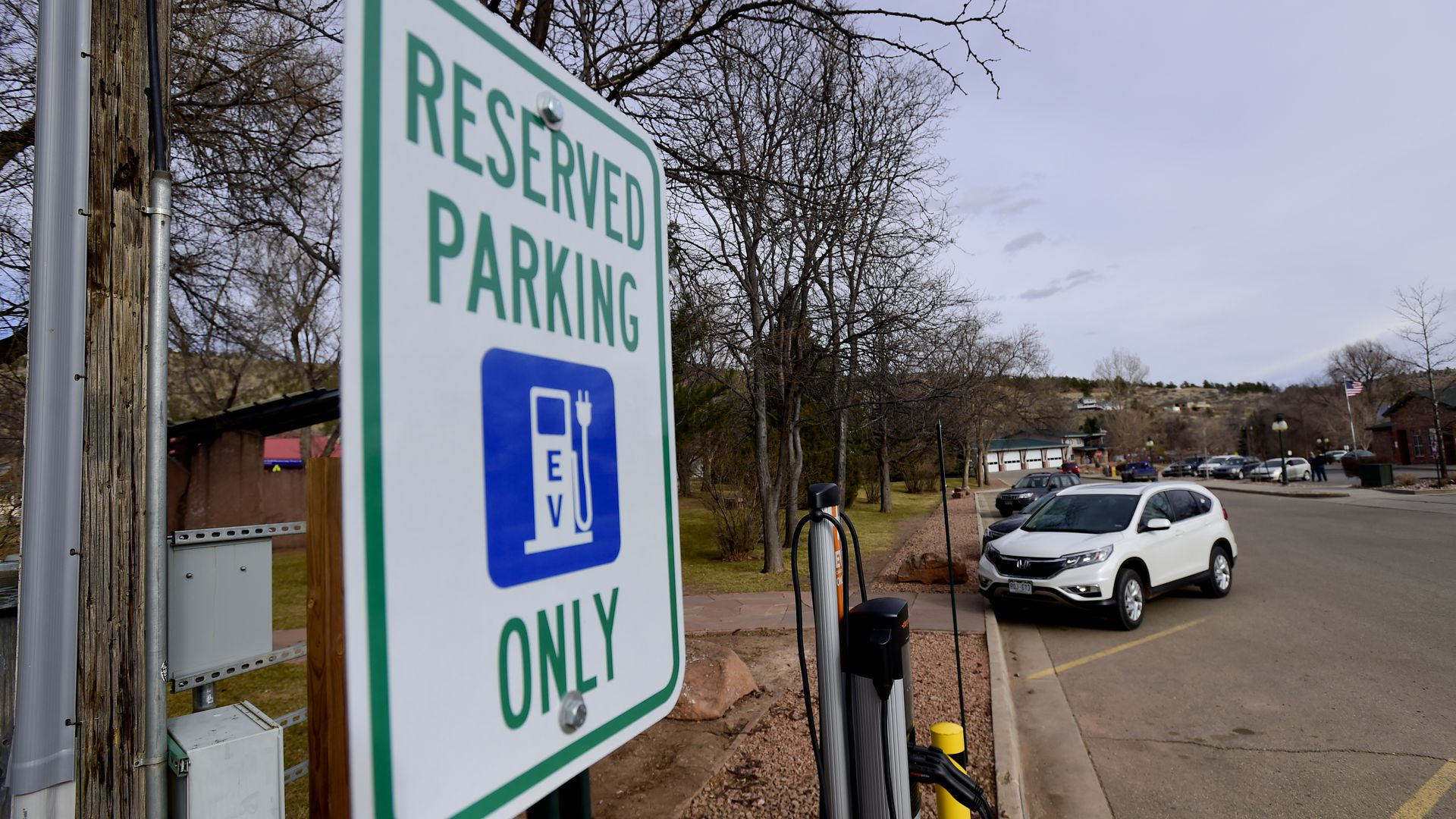 Tesla, ChargePoint push building code changes to boost EV charging