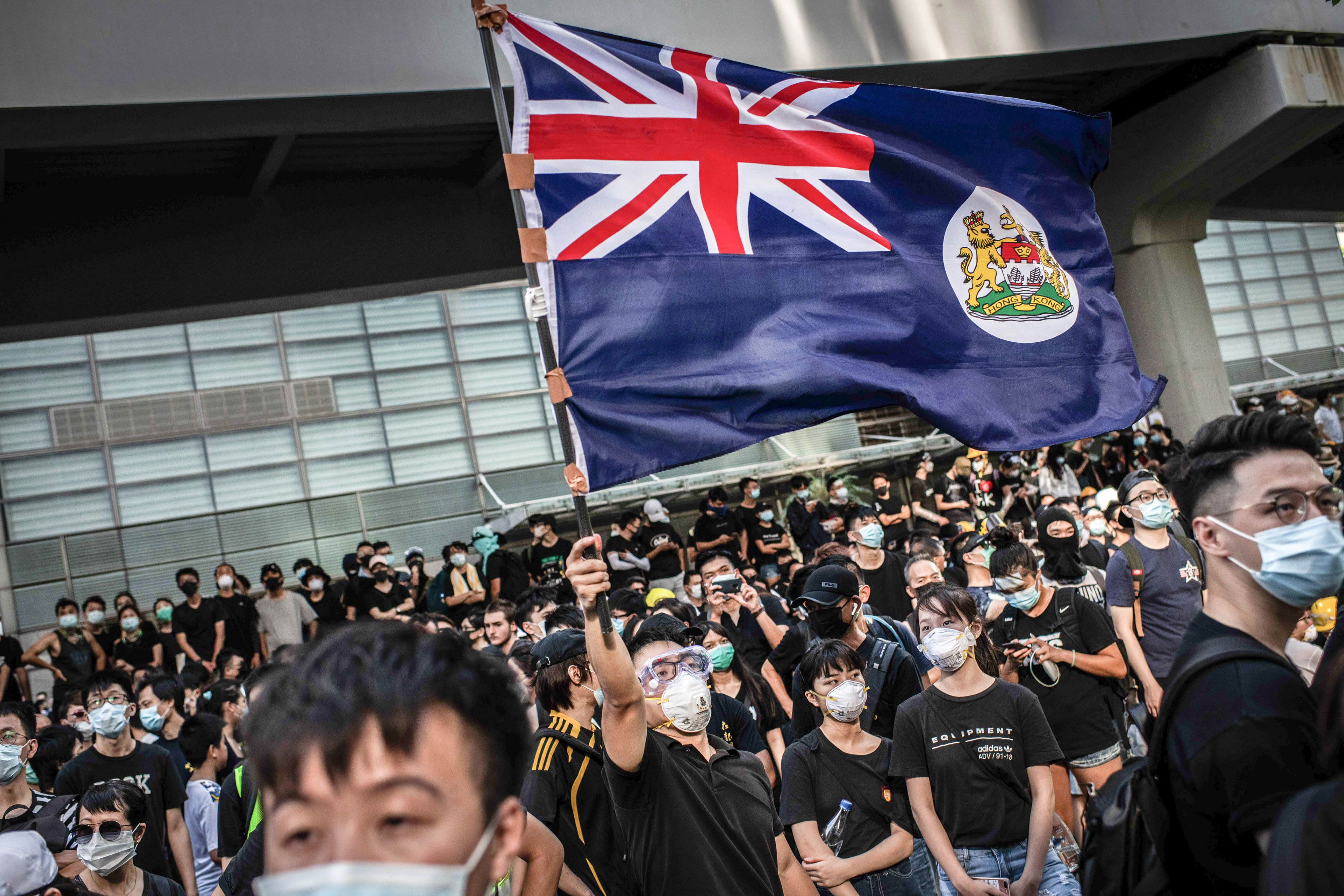 A pro-Hong Kong resolution at British university failed after Chinese student opposition