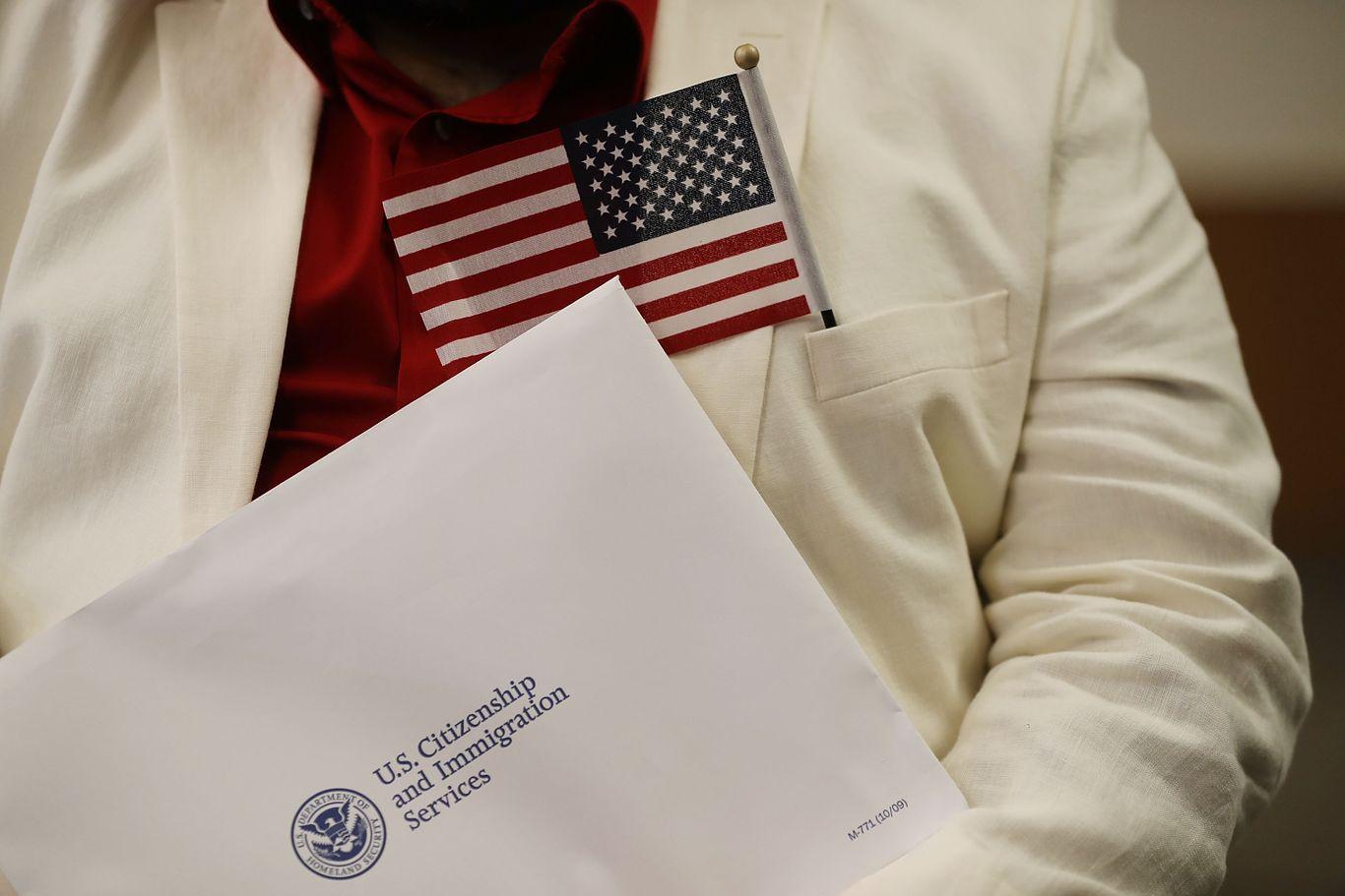 70% U.S. immigration officers face furloughs