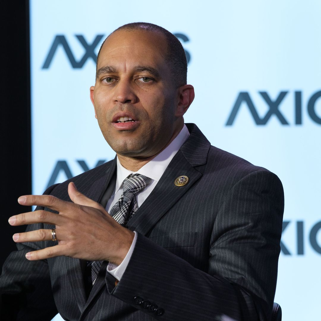 00db395f0 Hakeem Jeffries believes passing a bipartisan infrastructure package is  possible - House Democratic Caucus Chairman Hakeem Jeffries (N.Y.). told  Axios  Mike ...