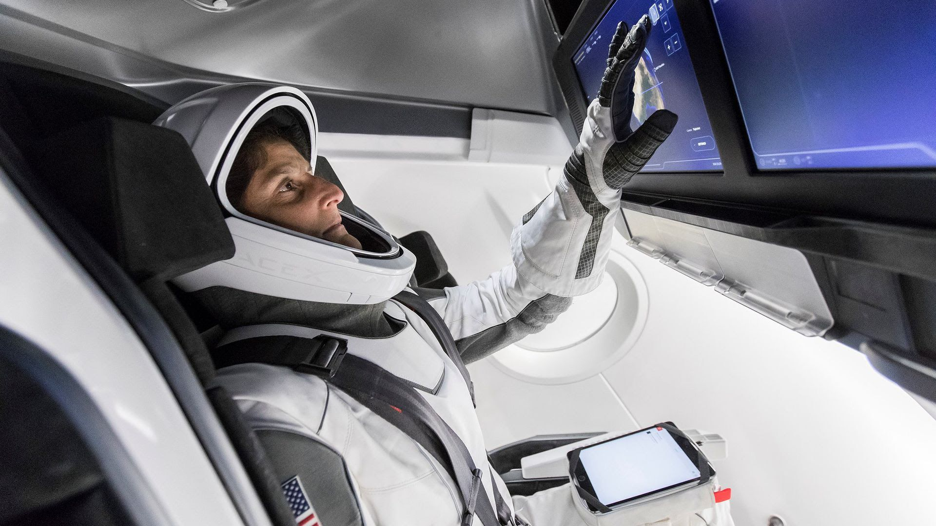 SpaceX inks deal to fly space tourists to orbit - Axios