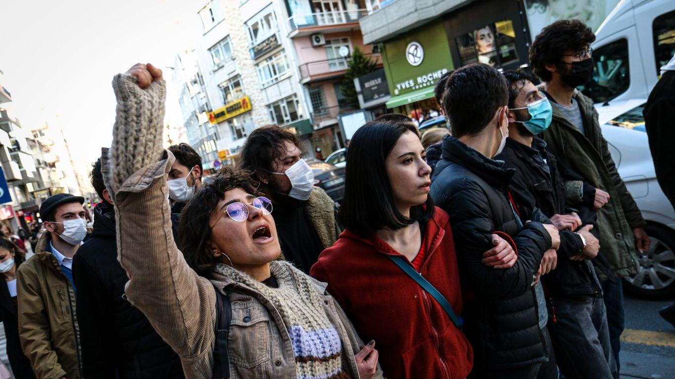 Turkey's Erdoğan cracks down on academic freedom protests thumbnail