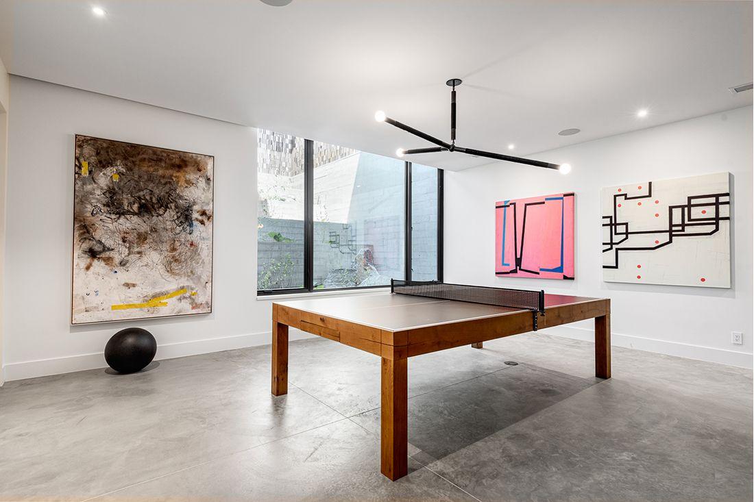 2610 East Cedar Ave ping pong table