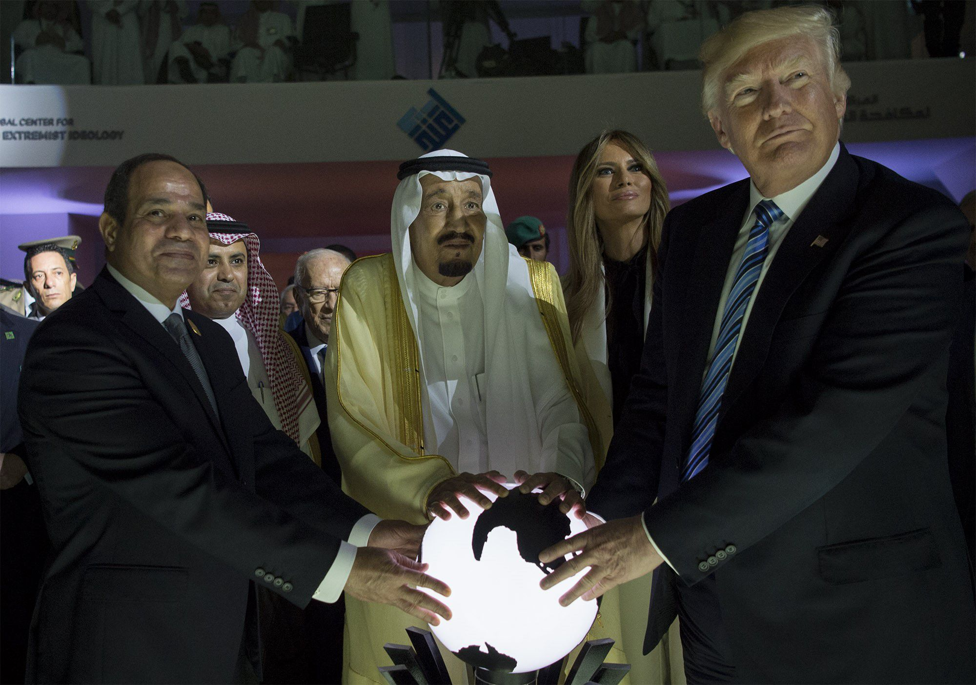 What the top 2020 Democrats think of Saudi Arabia - Axios