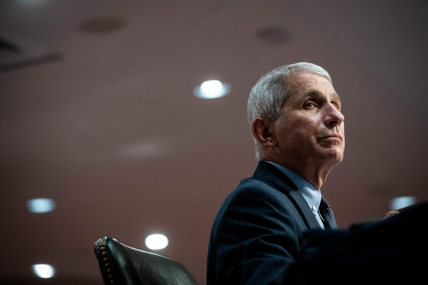 Nearly 3,500 health officials defend Fauci in open letter to Trump thumbnail