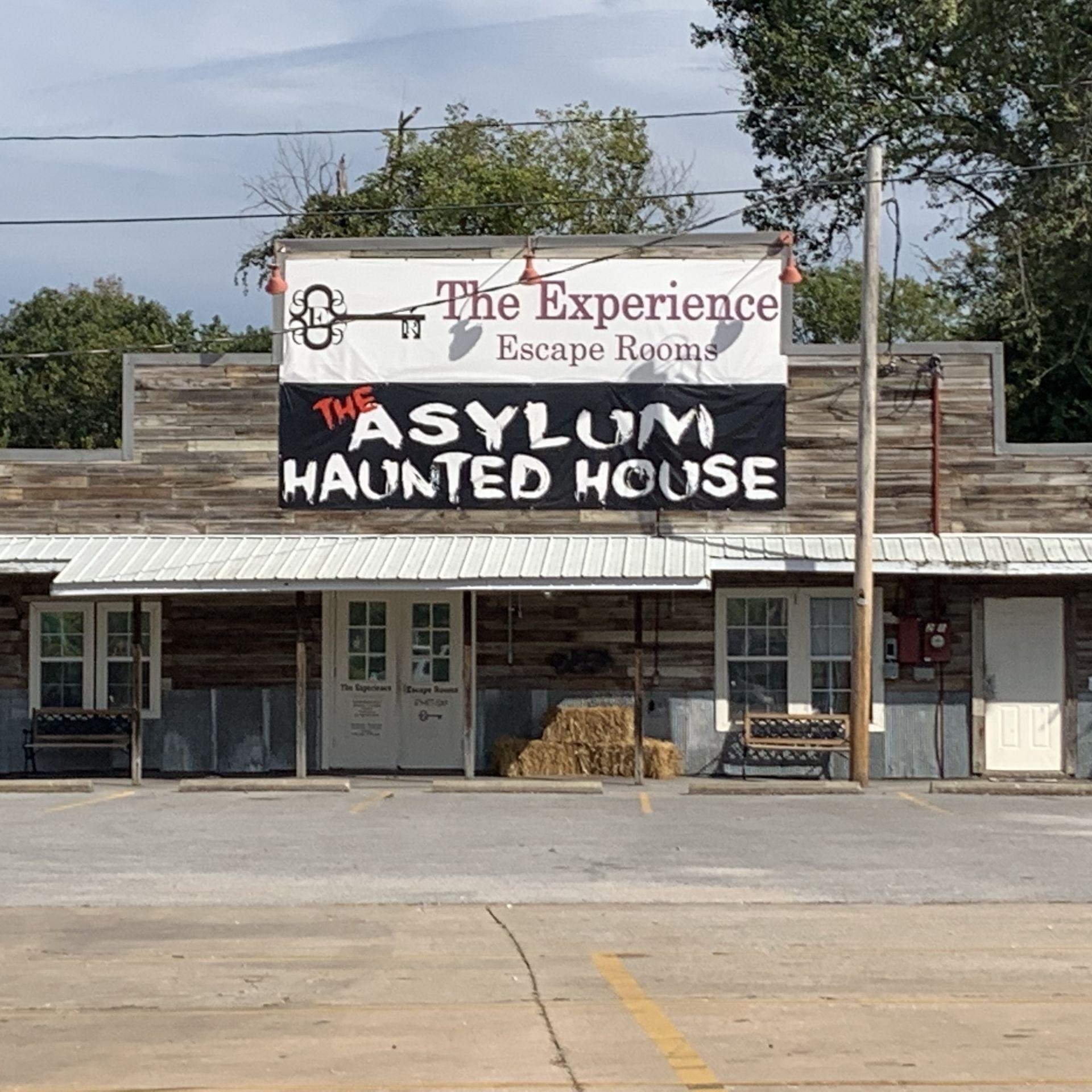 photo of the asylum haunted house