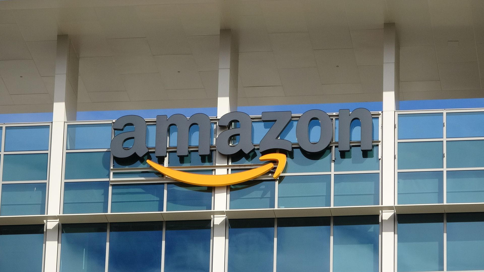 A sign with Amazon.com's logo