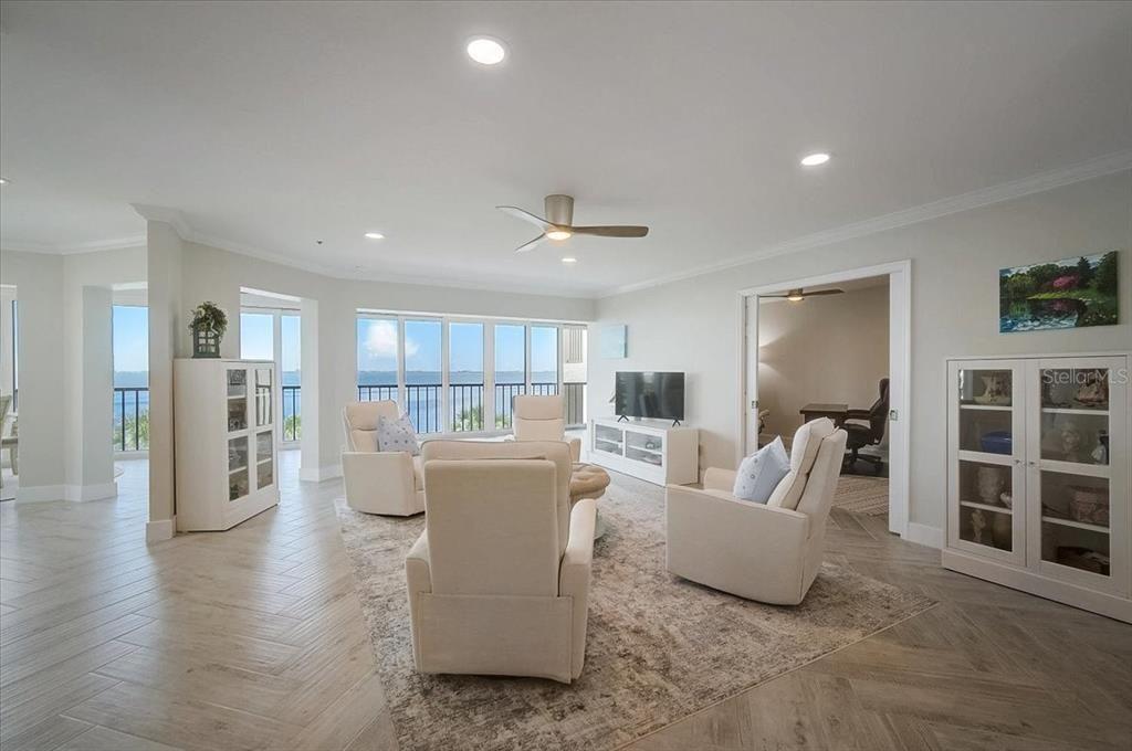 4545 Bay Club Dr #4545  living room