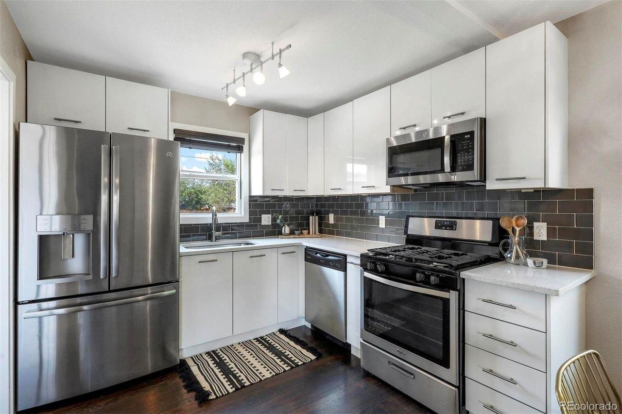 1765 W. Berkeley Place kitchen