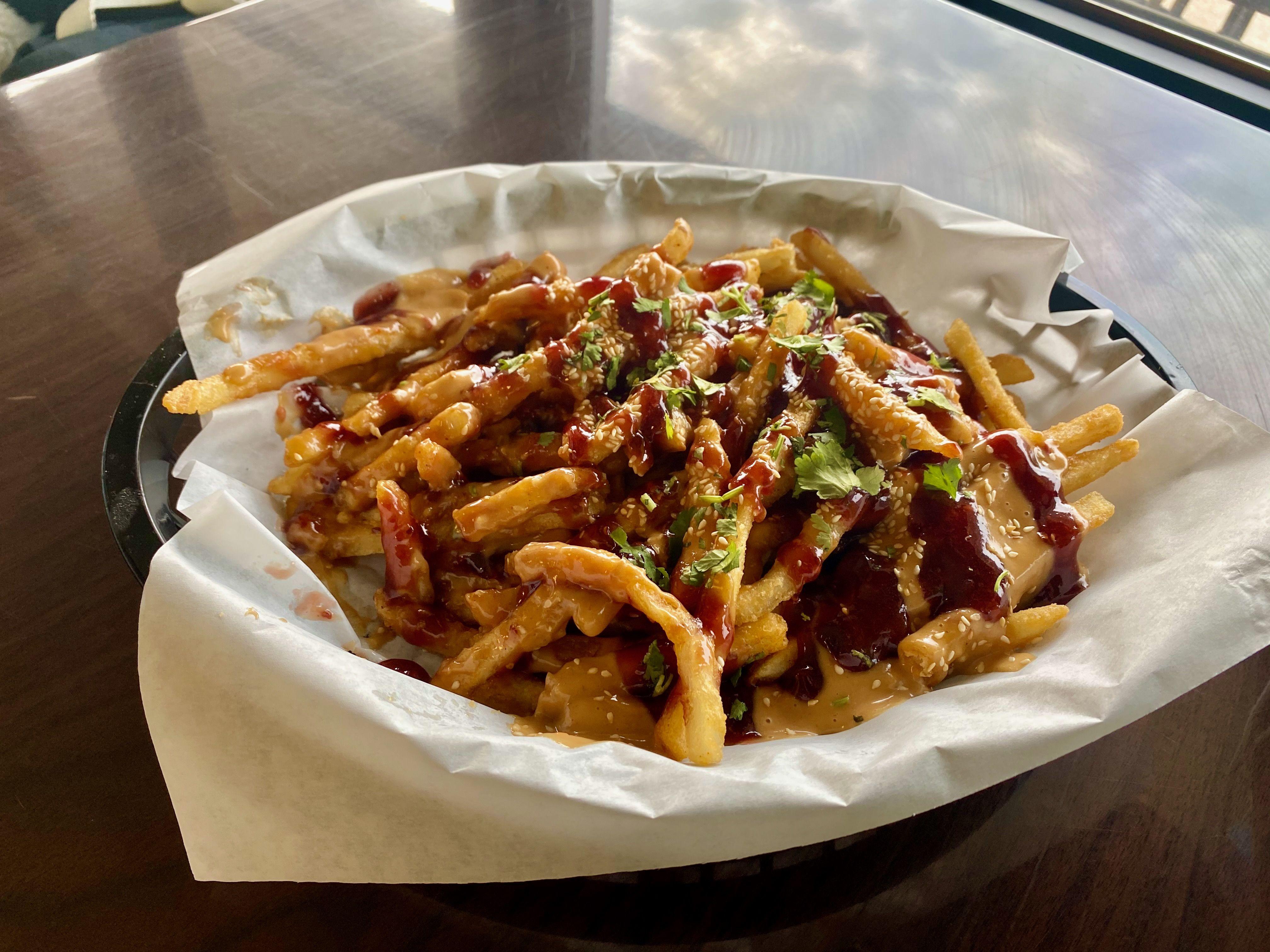 PB&J Fries from Curbin' Cuisine in Des Moines. Photo: Linh Ta/Axios