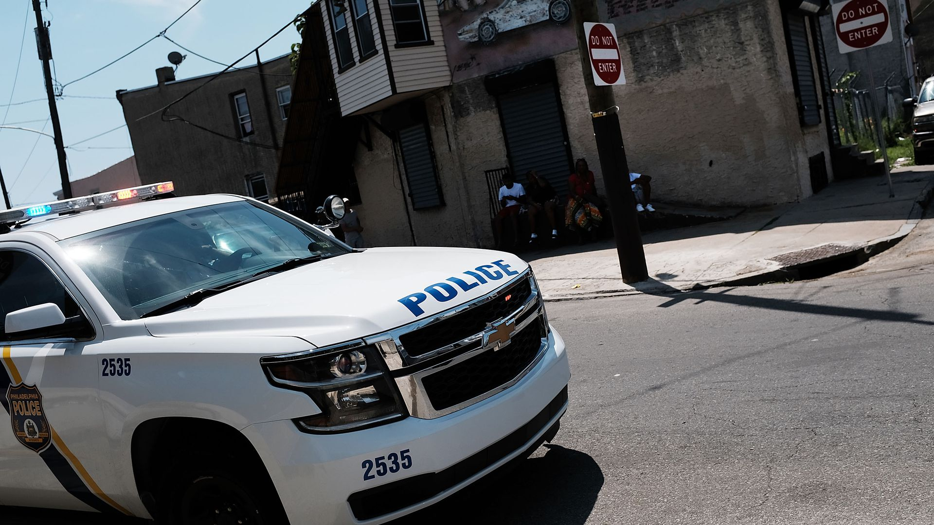 Police monitoring an area in Kensington section of Philadelphia ,which has become a hub for heroin use. Photo: Spencer Platt/Getty Images