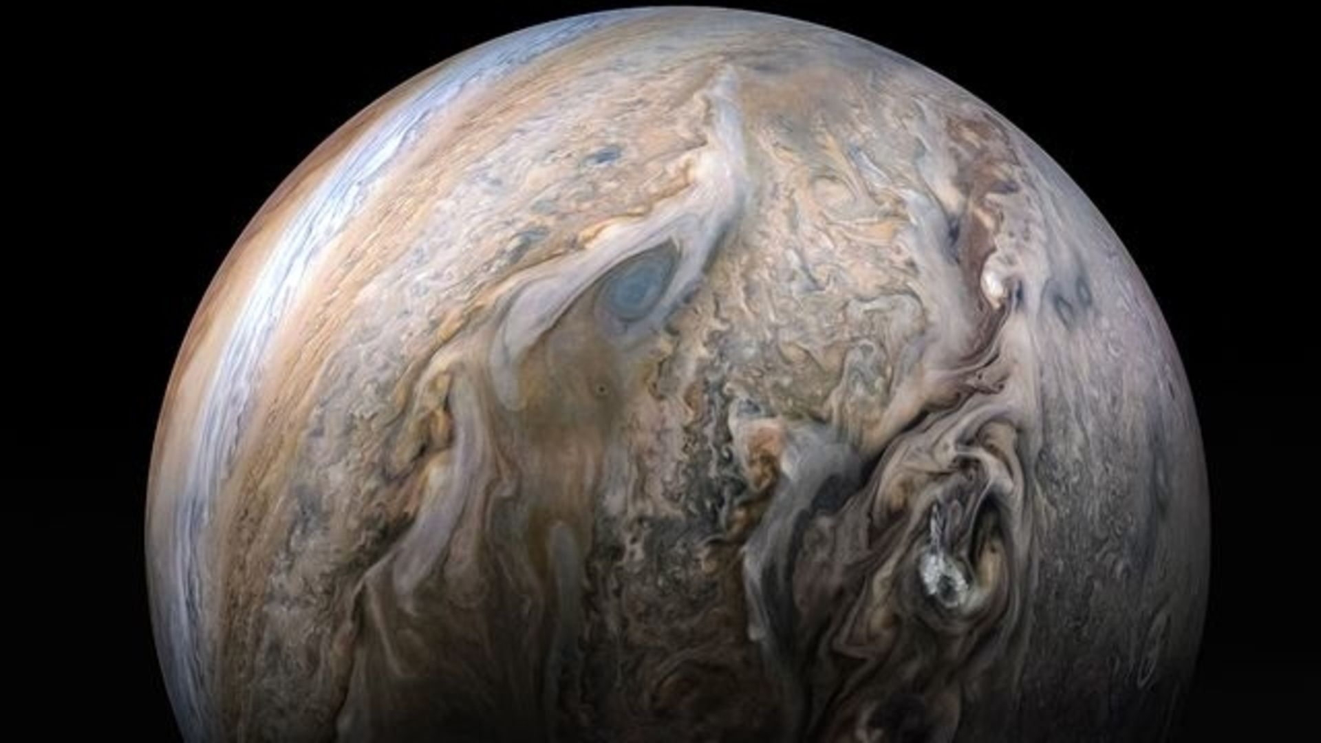 NASA's Juno spacecraft avoids Jupiter's shadow to stay alive