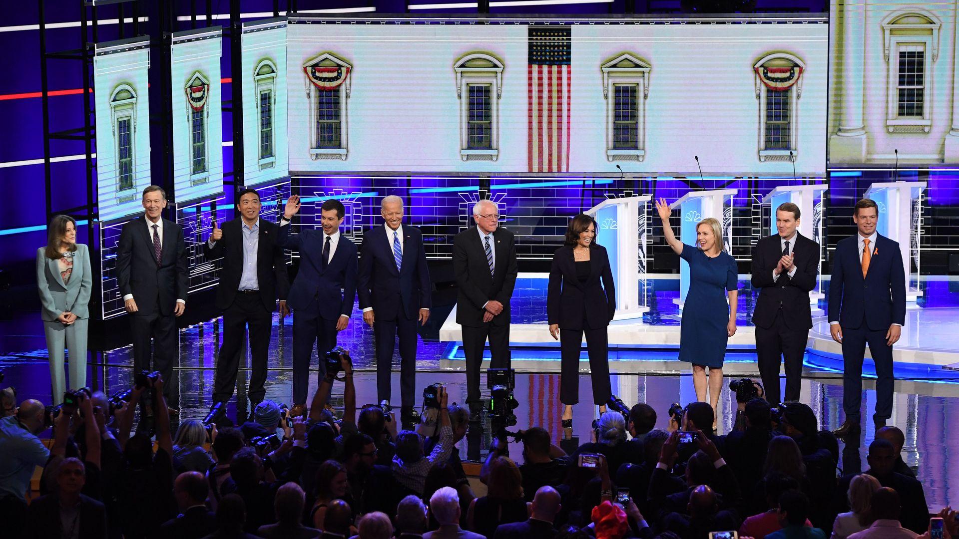 Democratic presidential hopefuls on the debate stage