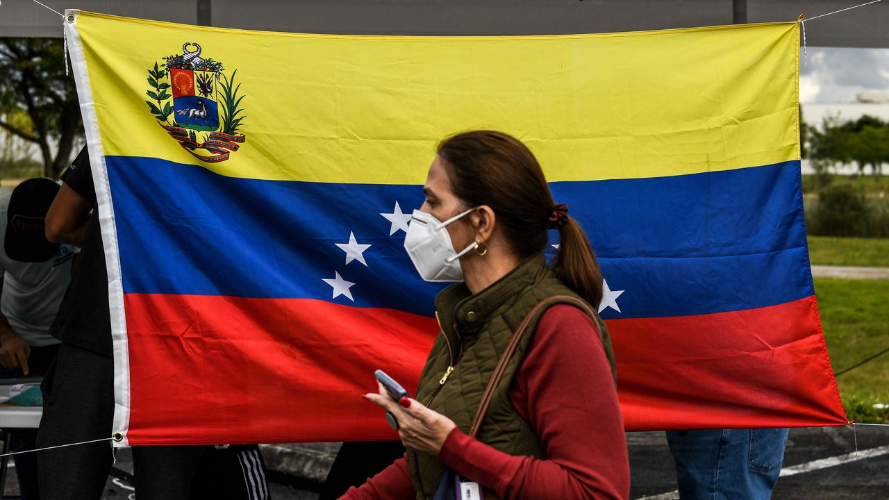 U.S. grants temporary protected status to thousands of Venezuelans