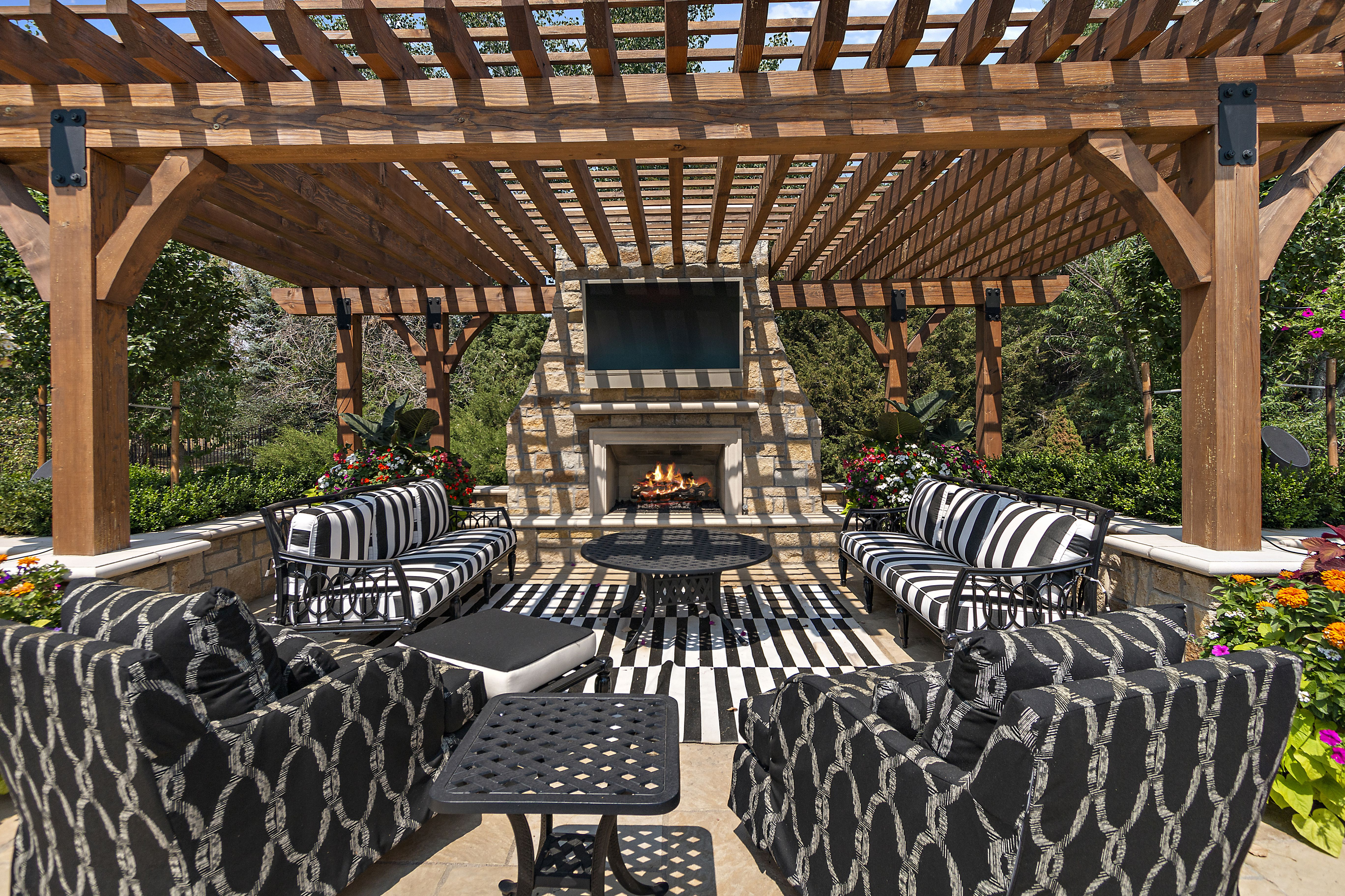 A view of the patio and pergola.