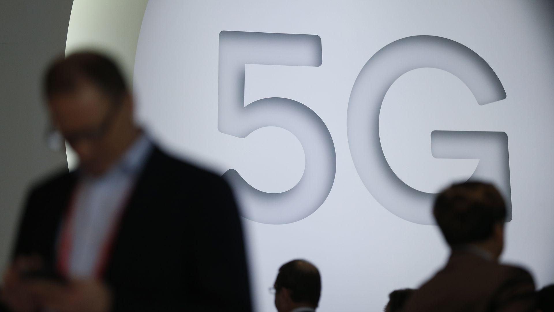 Signage promoting 5G
