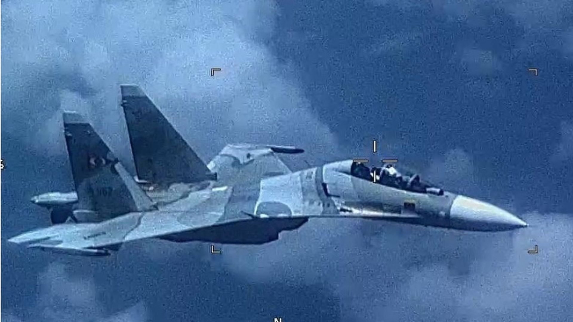 "U.S. releases images of Venezuelan fighter jet's ""unsafe"" approach to American Navy plane"