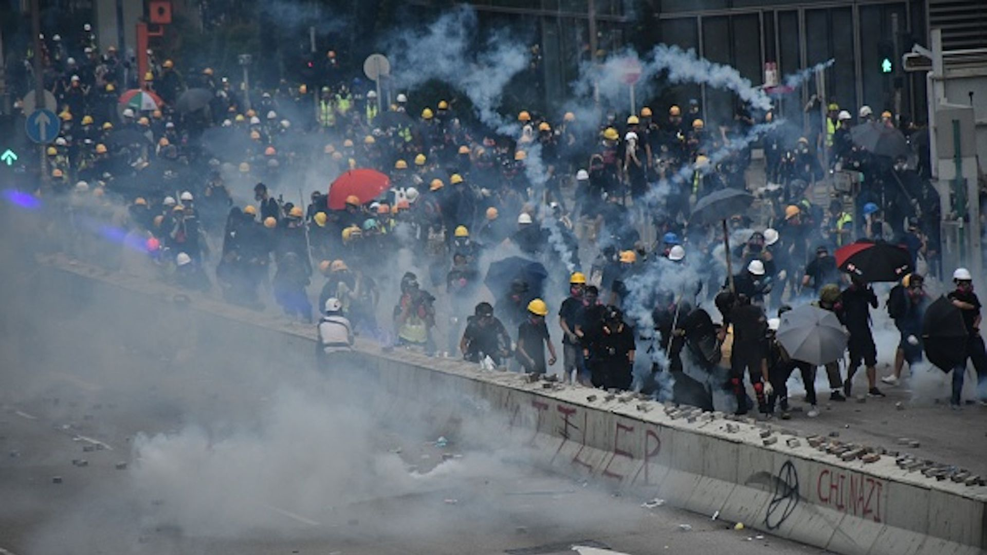 Hong Kong turns violent in new police crackdown on protesters